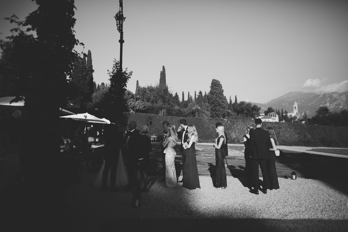 lake como wedding photographer -102