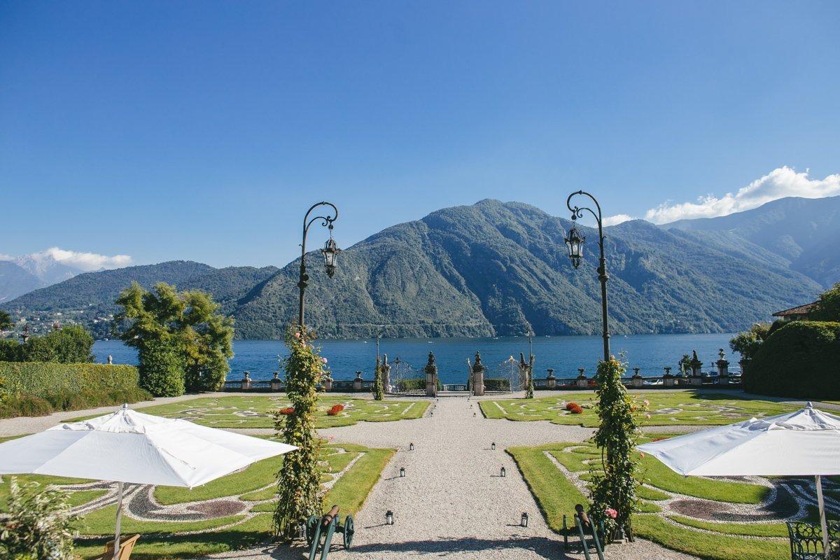 lake como wedding photographer villa sola