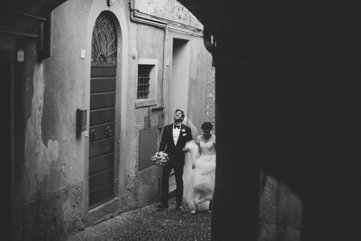 lake como wedding photographer -90