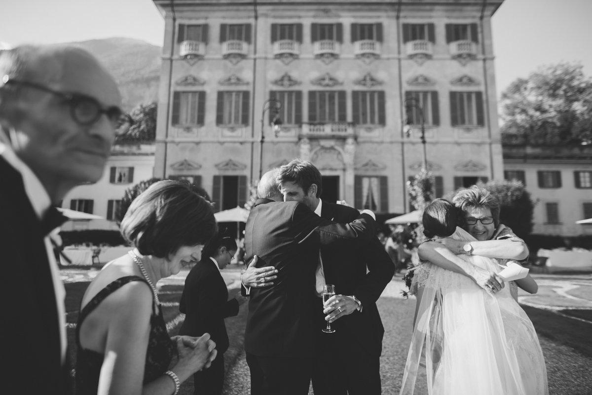 lake como wedding photographer -98
