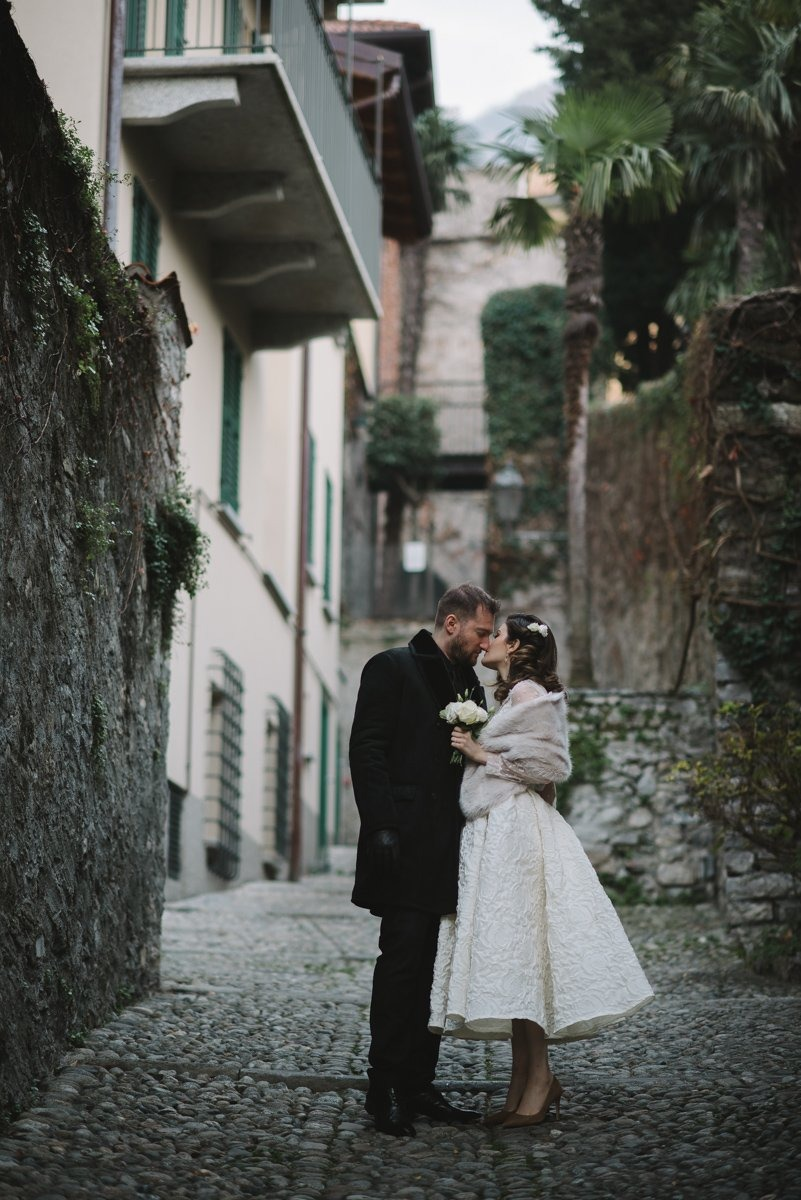 Lake Como intimate wedding photographer in private villa. Varenna pre-wedding shooting