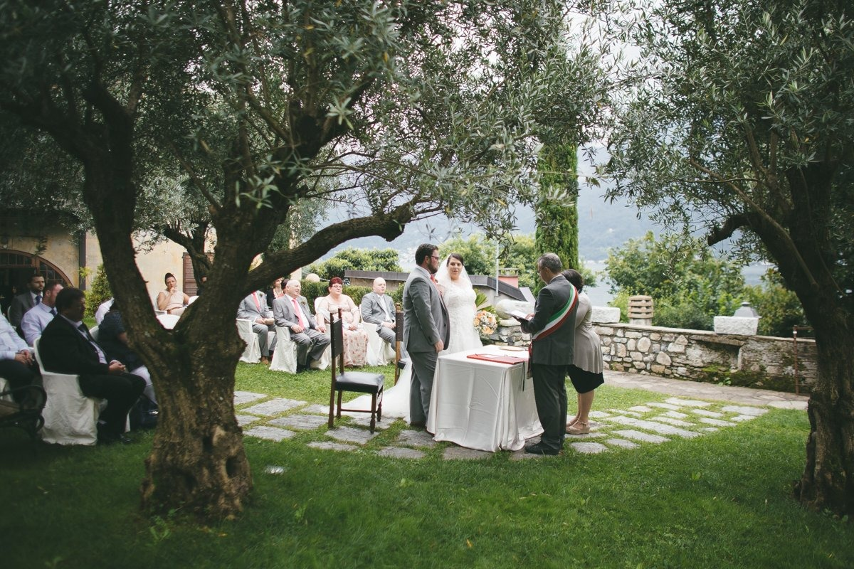 lake como wedding photographer-18