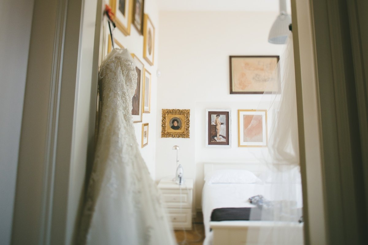 Lake Como, Ossuccio, intimate wedding. Bridal gown. Italian destination wedding photographer