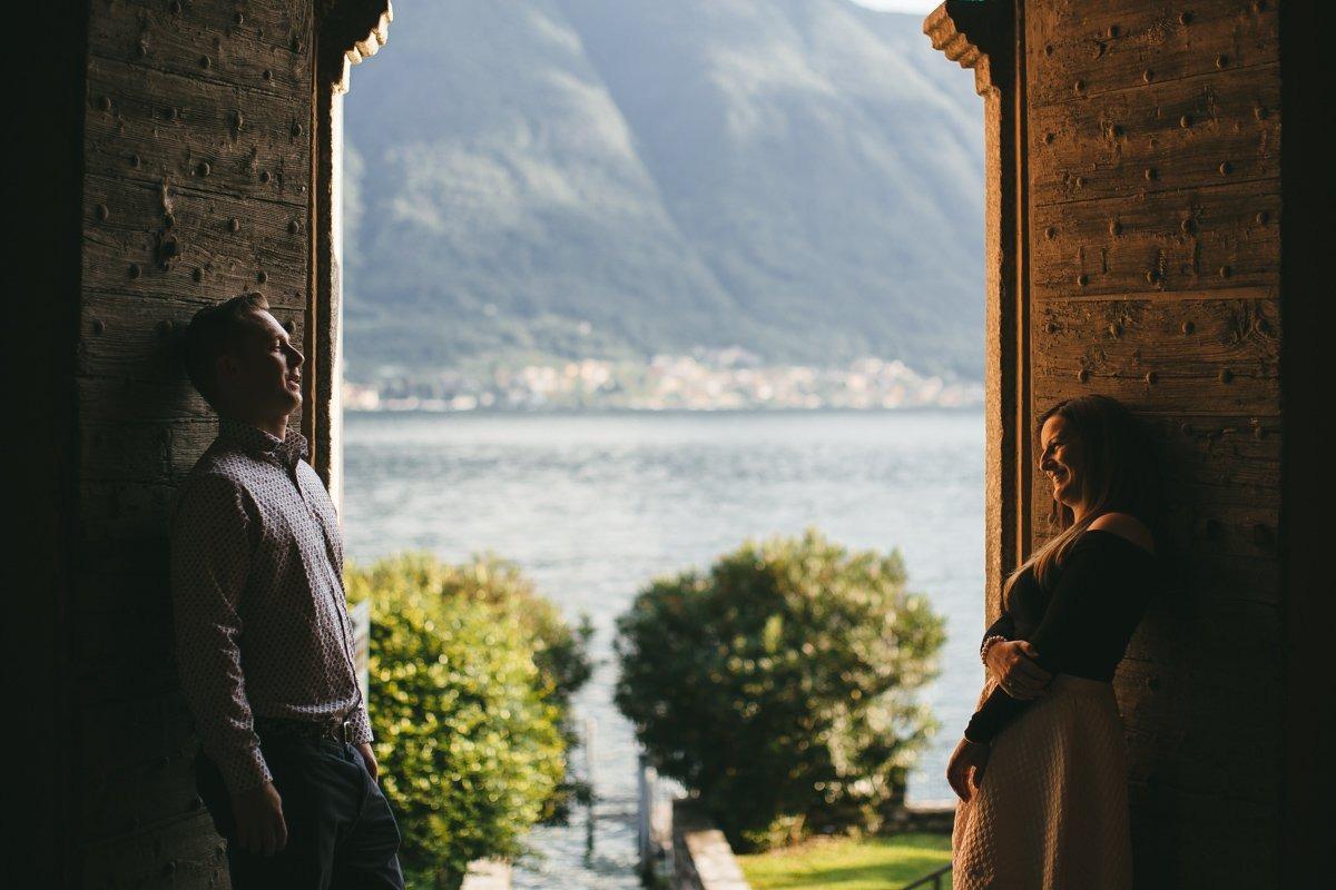 lake como wedding photographer. Couple shoot