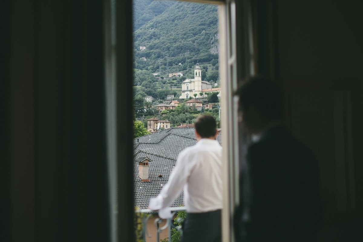 lake como wedding photographer-6