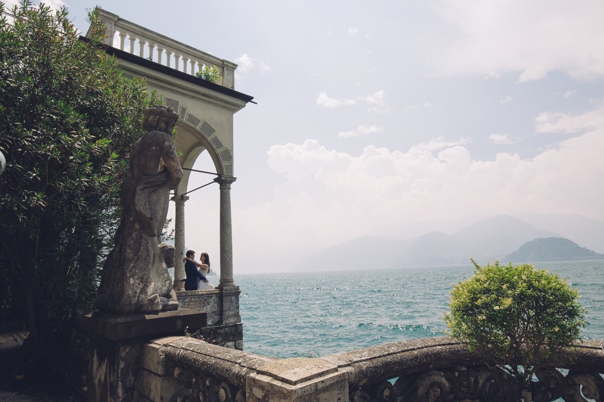 Lake Como engagement shooting. Wedding photographer