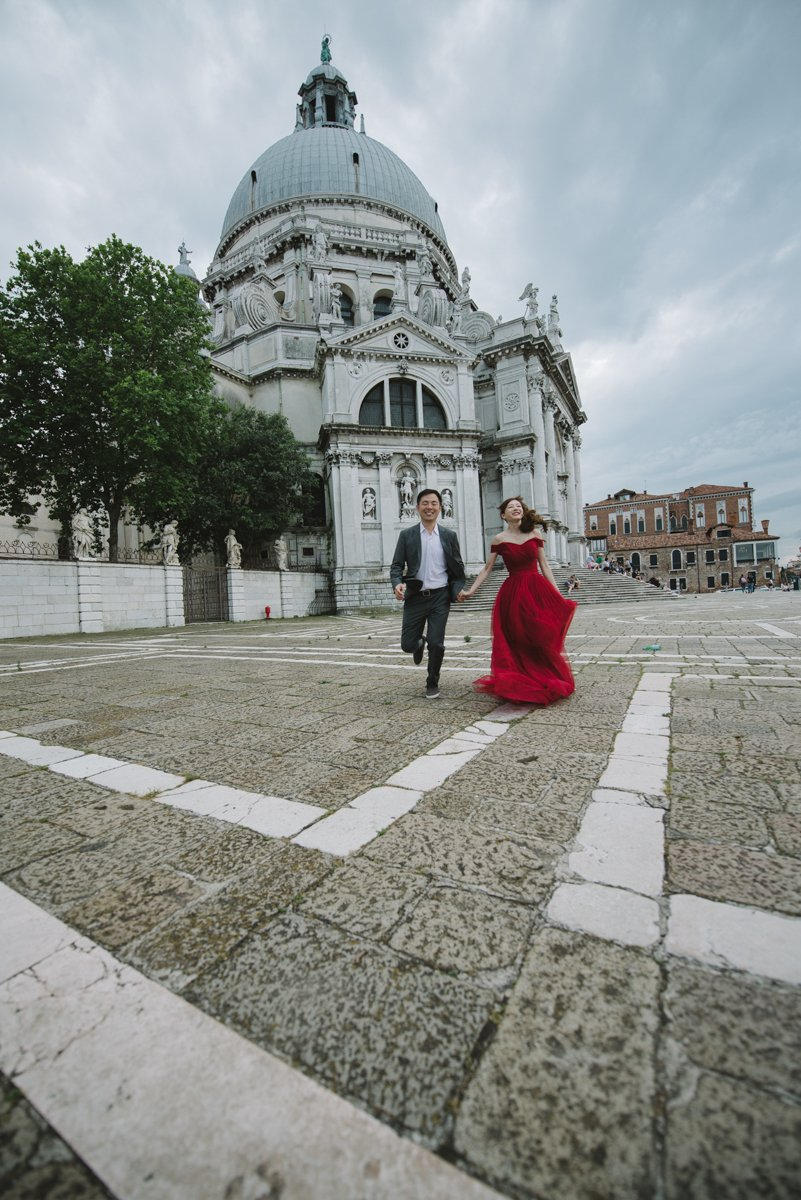 Romantic engagement session in Venice | Portrait session Photographer Veneto