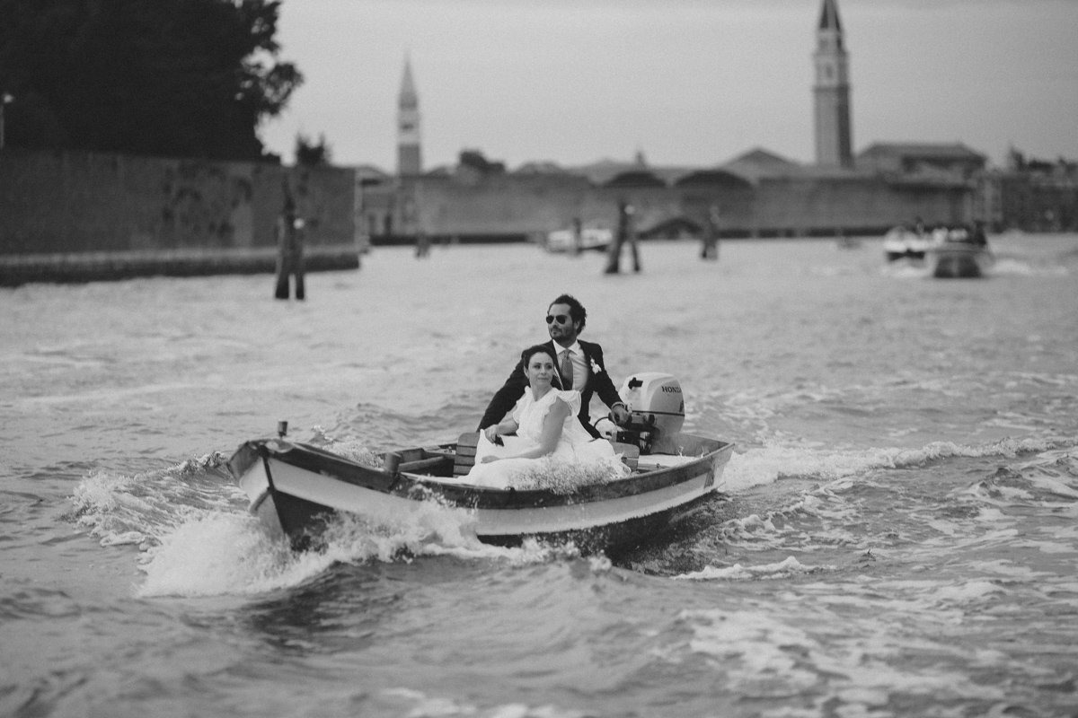 Intimate Wedding Photographer Venice. Destination wedding Italy