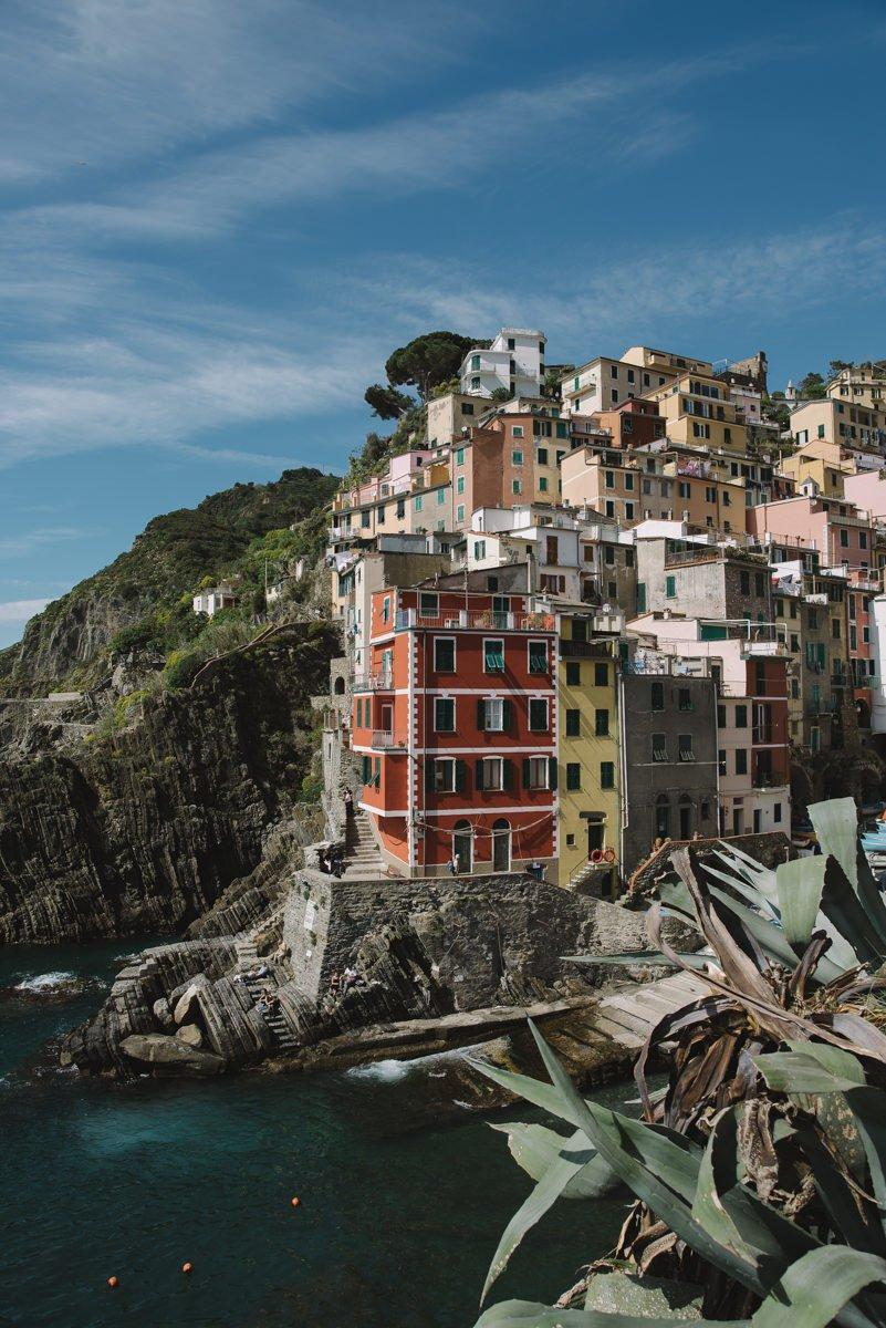 Cinque Terre wedding photographer. Elopement photographer in Italian Riviera