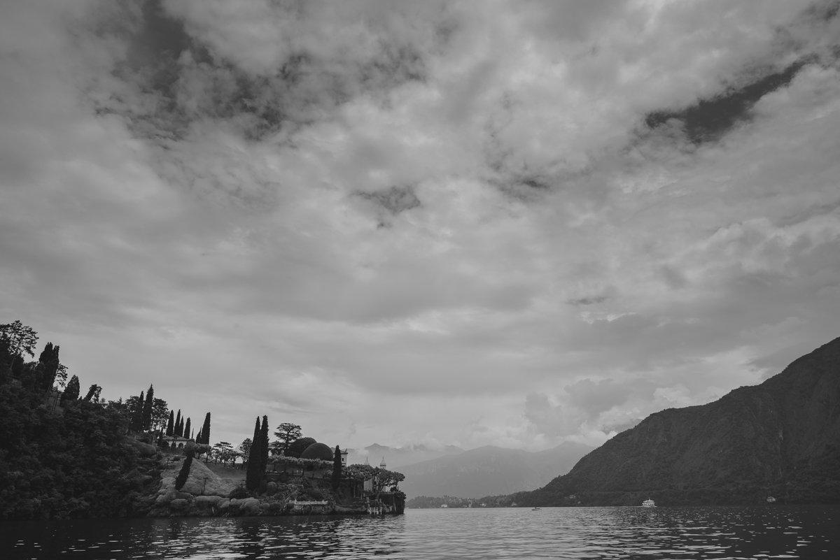 Wedding photographer in Italy. Destination wedding in Lake Como