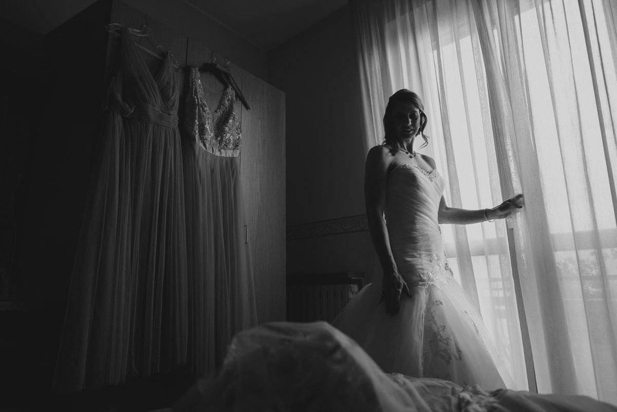 Destination wedding in Lake Como. Bride is getting ready