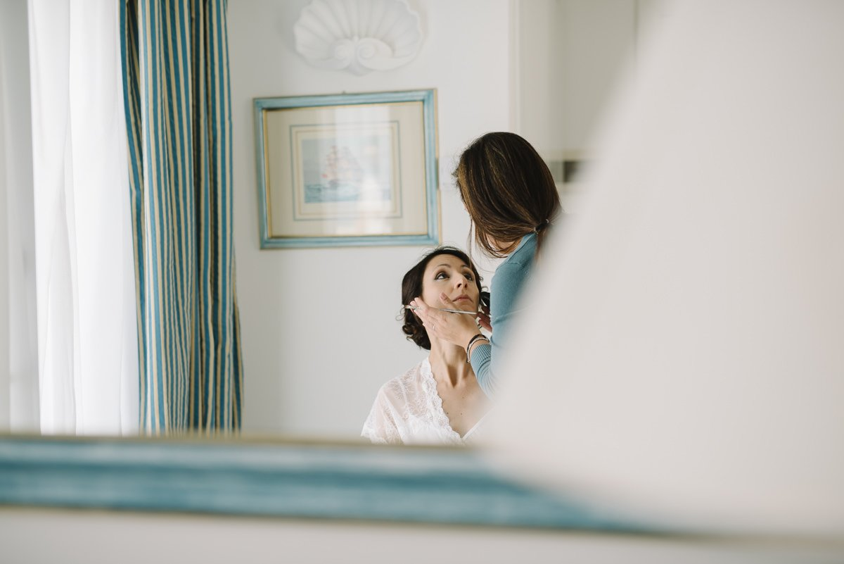 Destination wedding photographer Capri, Amalfi Coast. Bride Make up