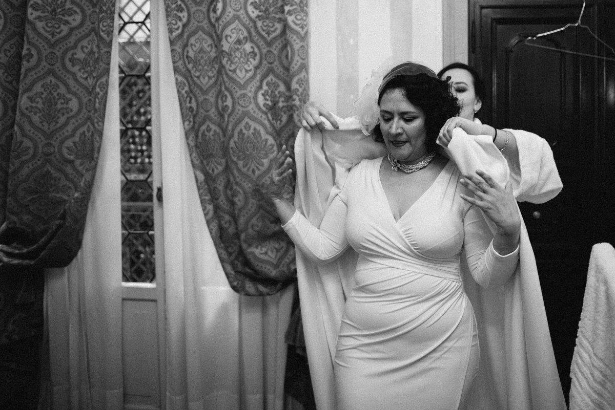 Destination Wedding photographer Venice. Bride getting ready