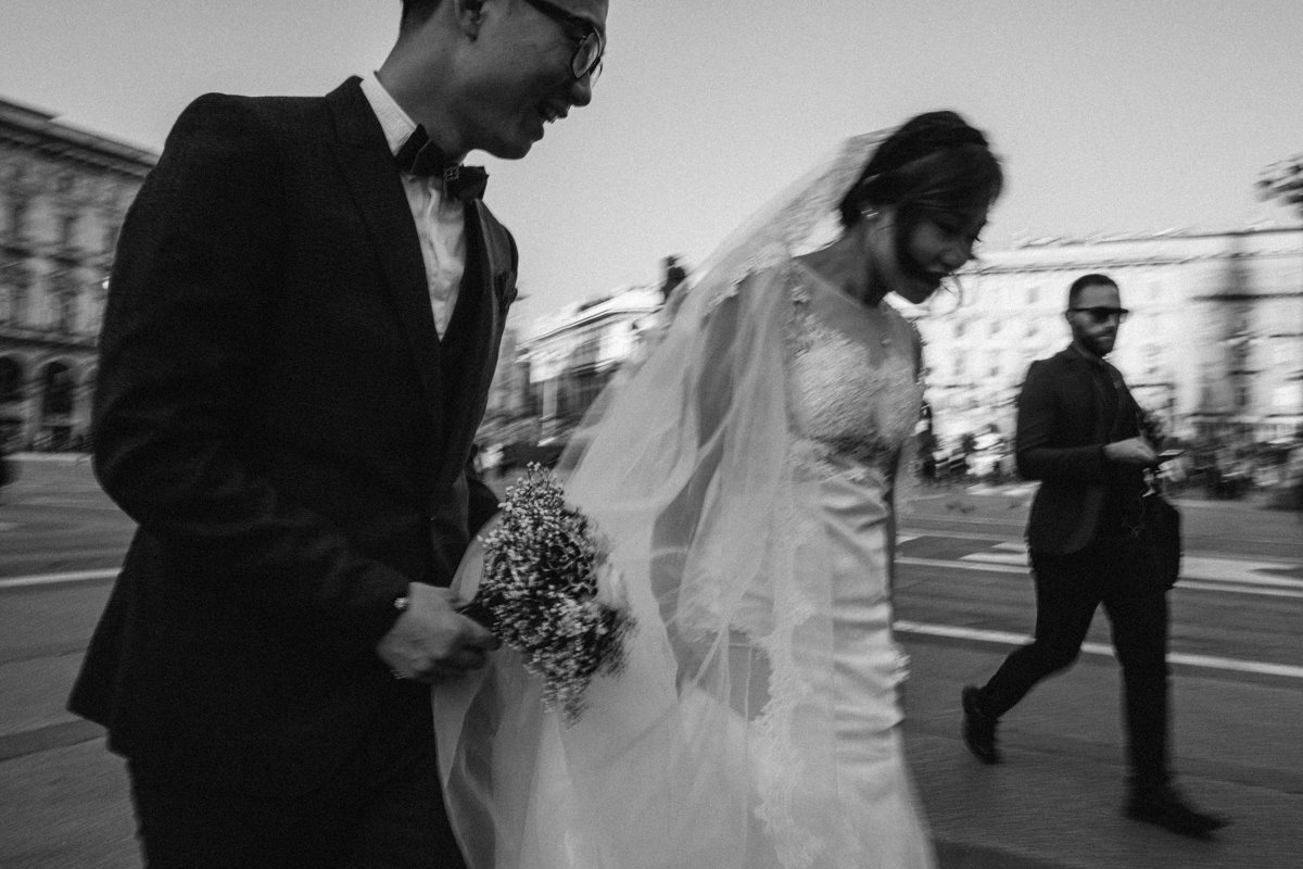 Destination wedding photographer in Milan.