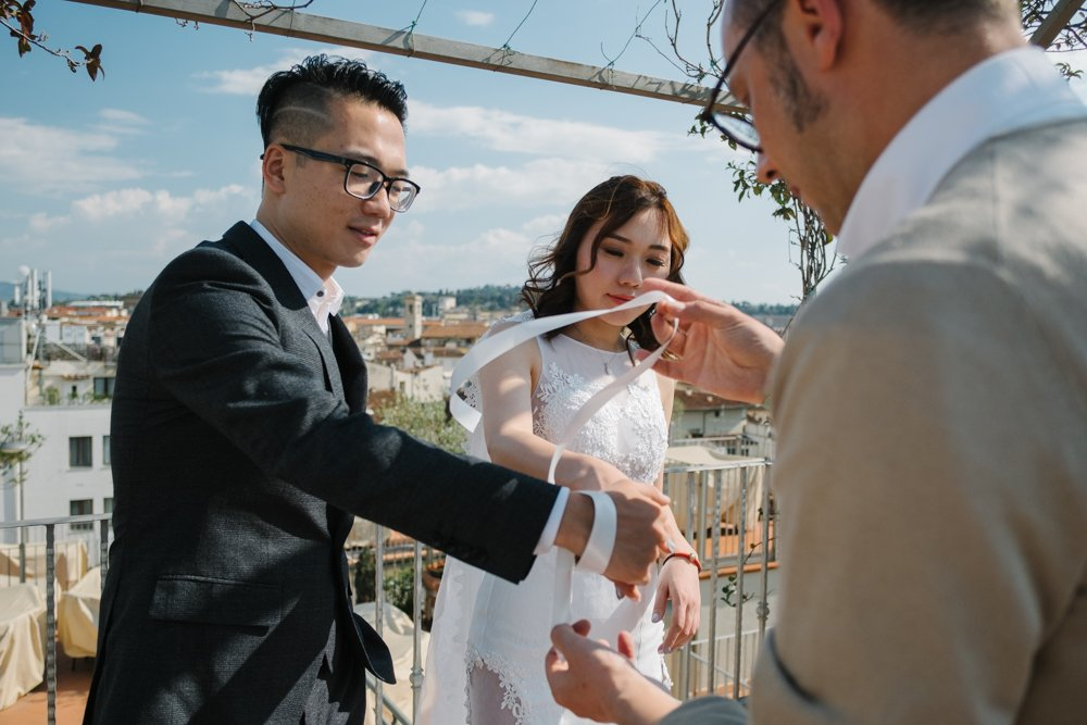 Florence symbolic wedding photographer. Tuscany engagement photographer