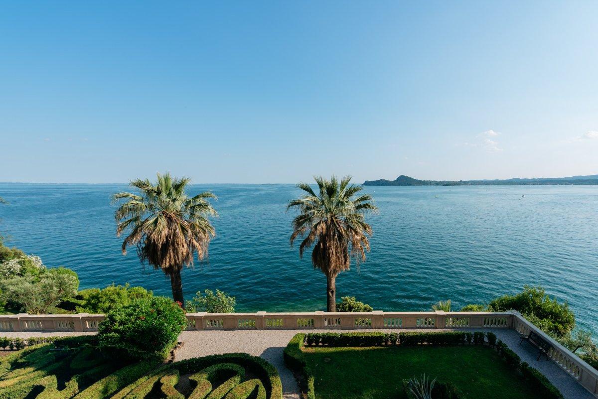 Wedding photographer in Lake Garda.