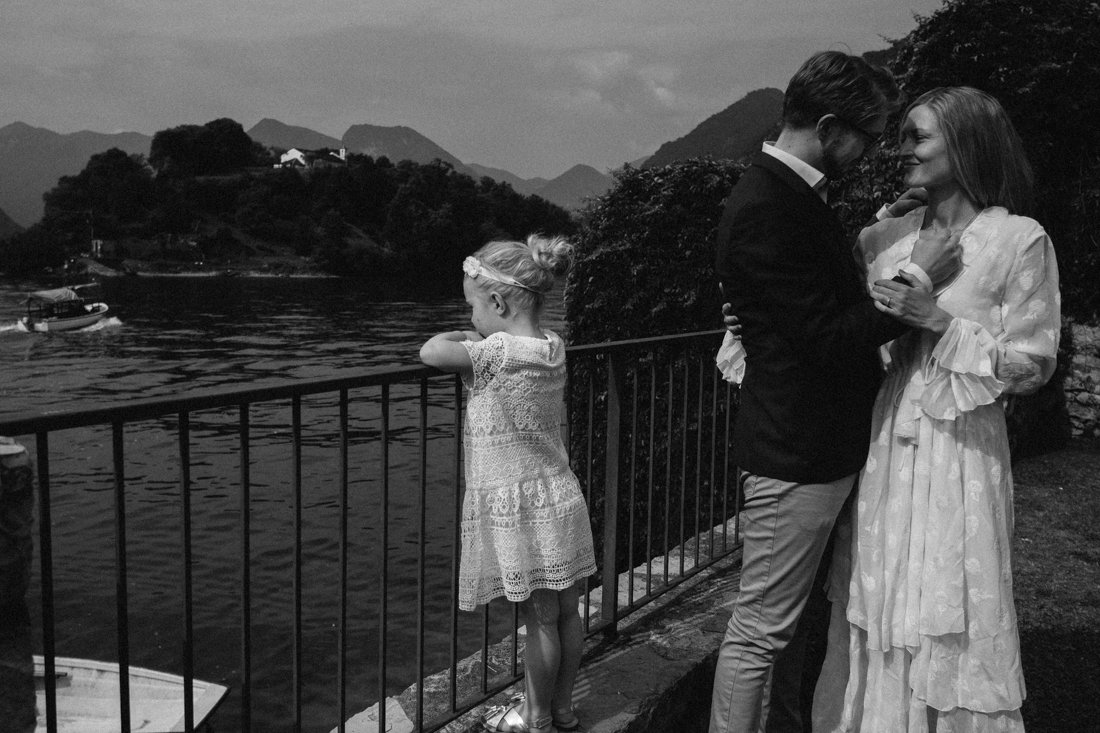Elopement on Lake Como. Family session photographer