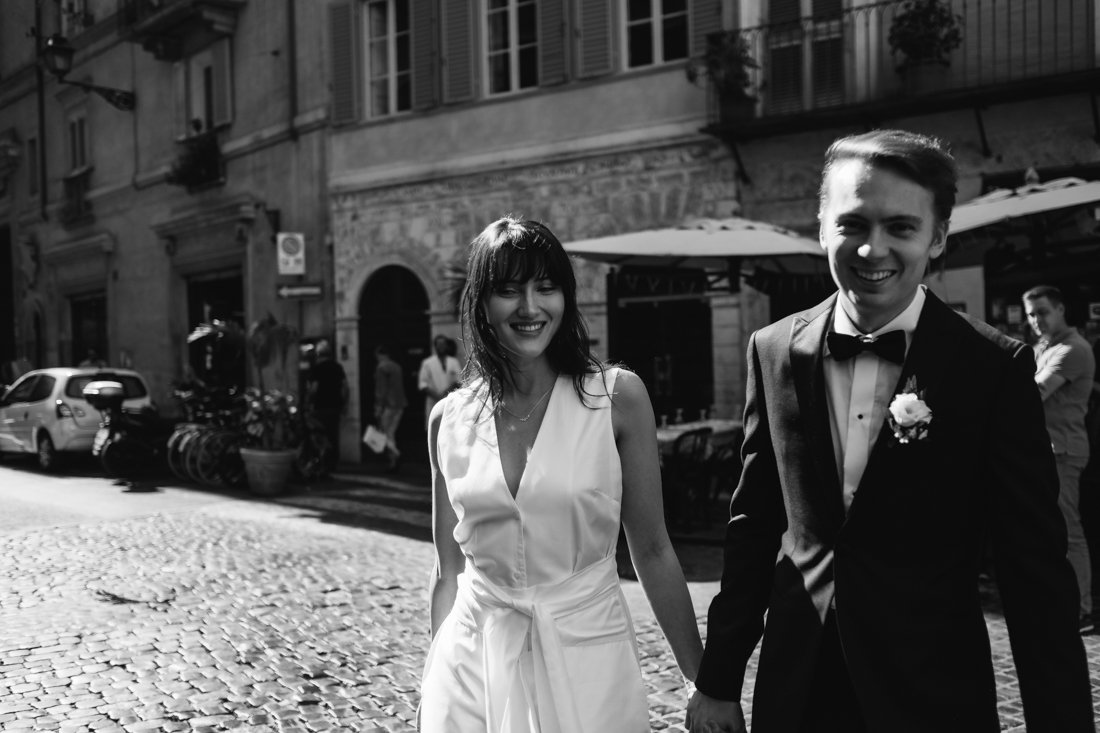 Destination Wedding photographer in Rome. Bride & Groom Photo