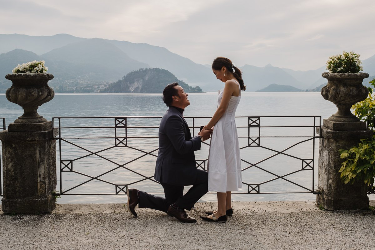 wedding proposal on lake como
