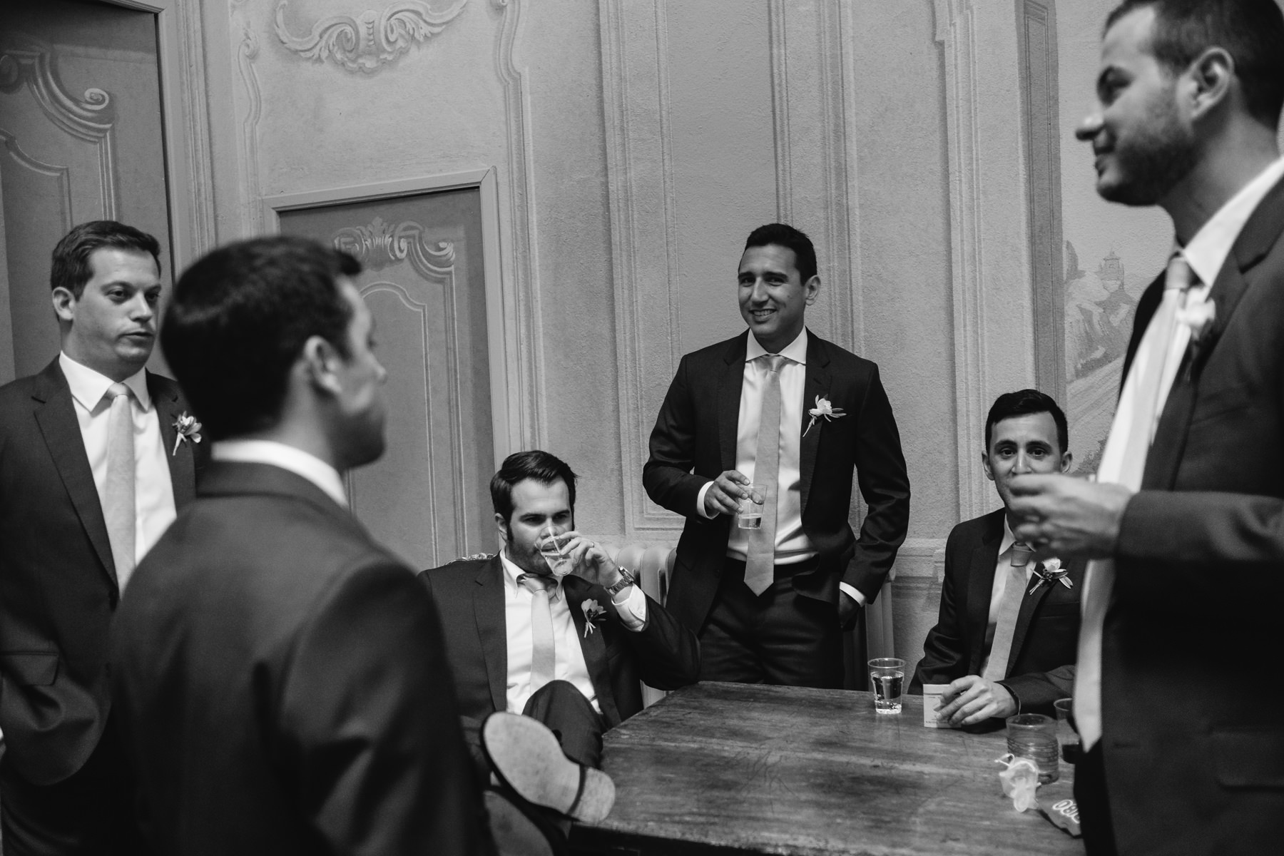groom and groomsmen before the wedding at la foce