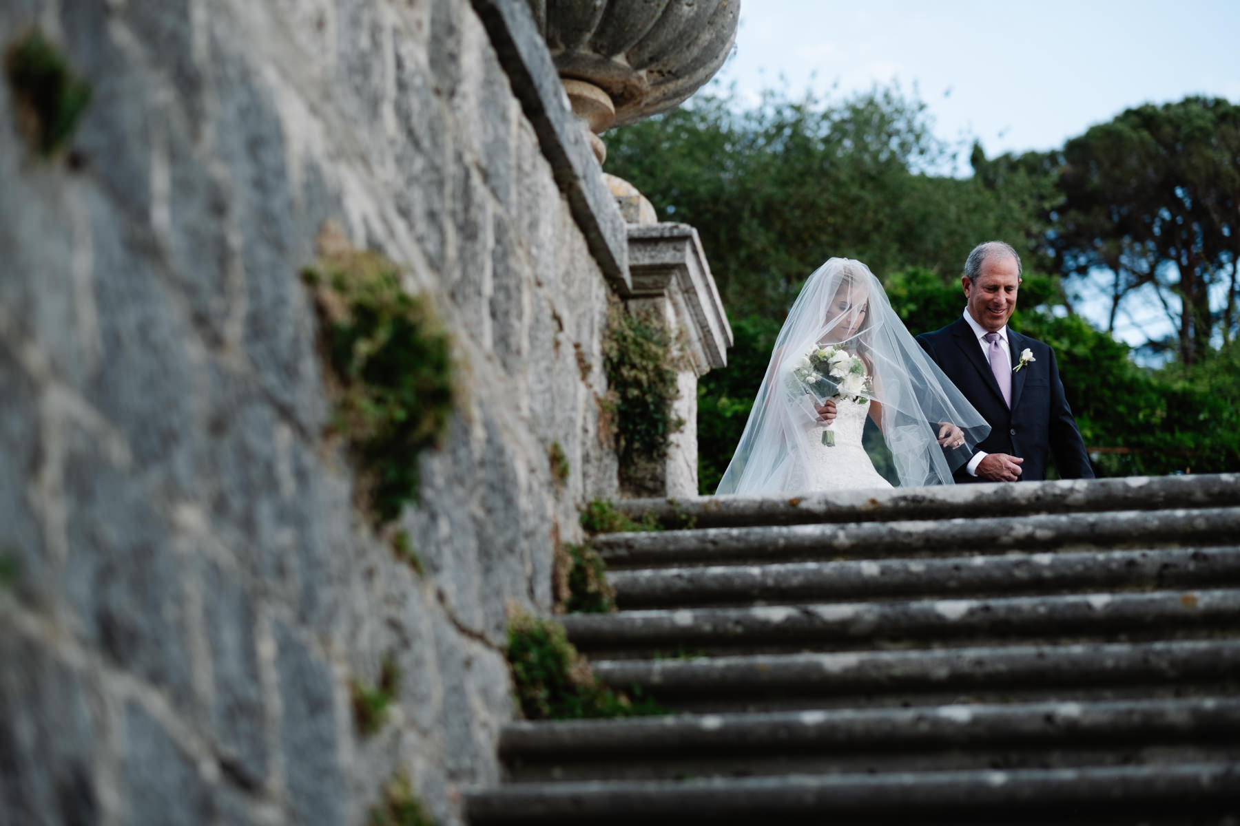bride and father walking down the aisle ideas