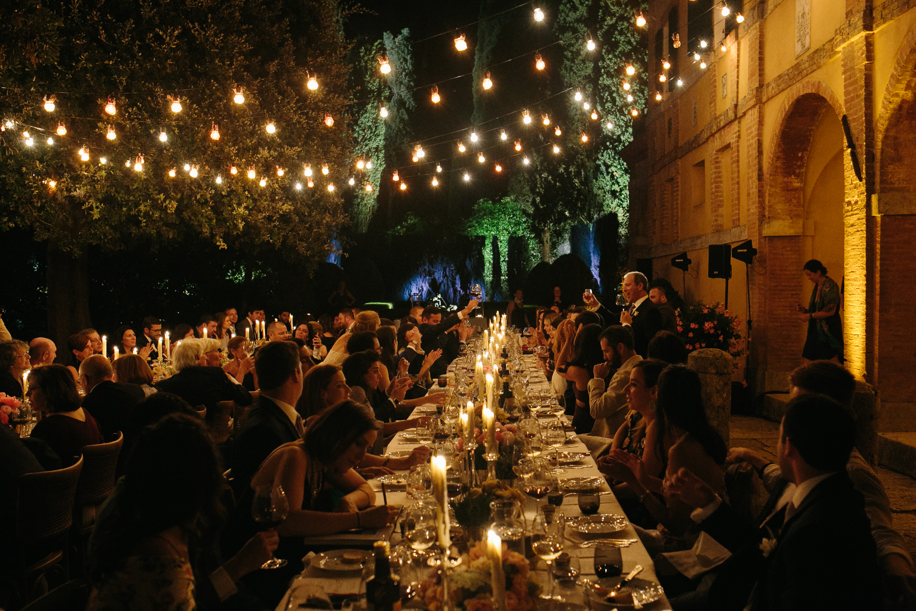 chic country wedding in Italian villa in Tuscany
