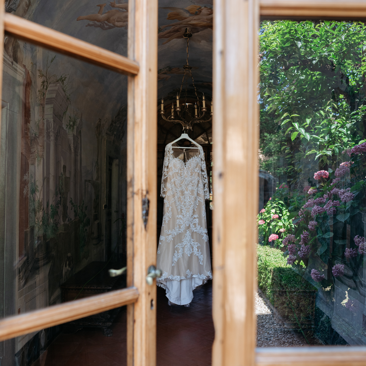 wedding dress in tuscany