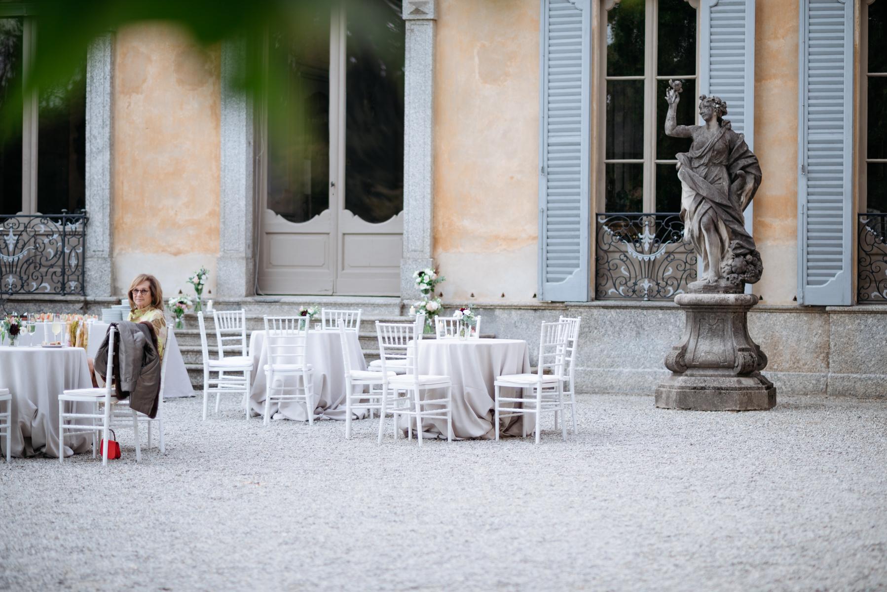aperitif italian villa