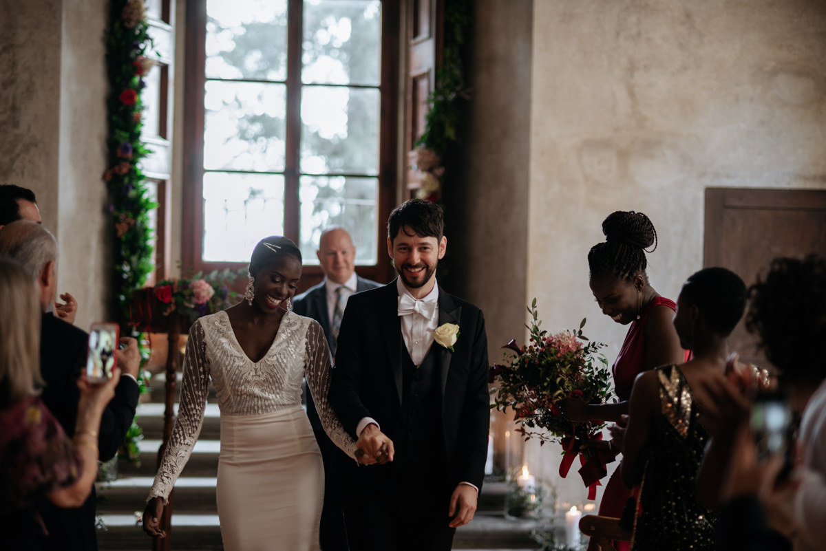 civil indoor ceremony in tuscany