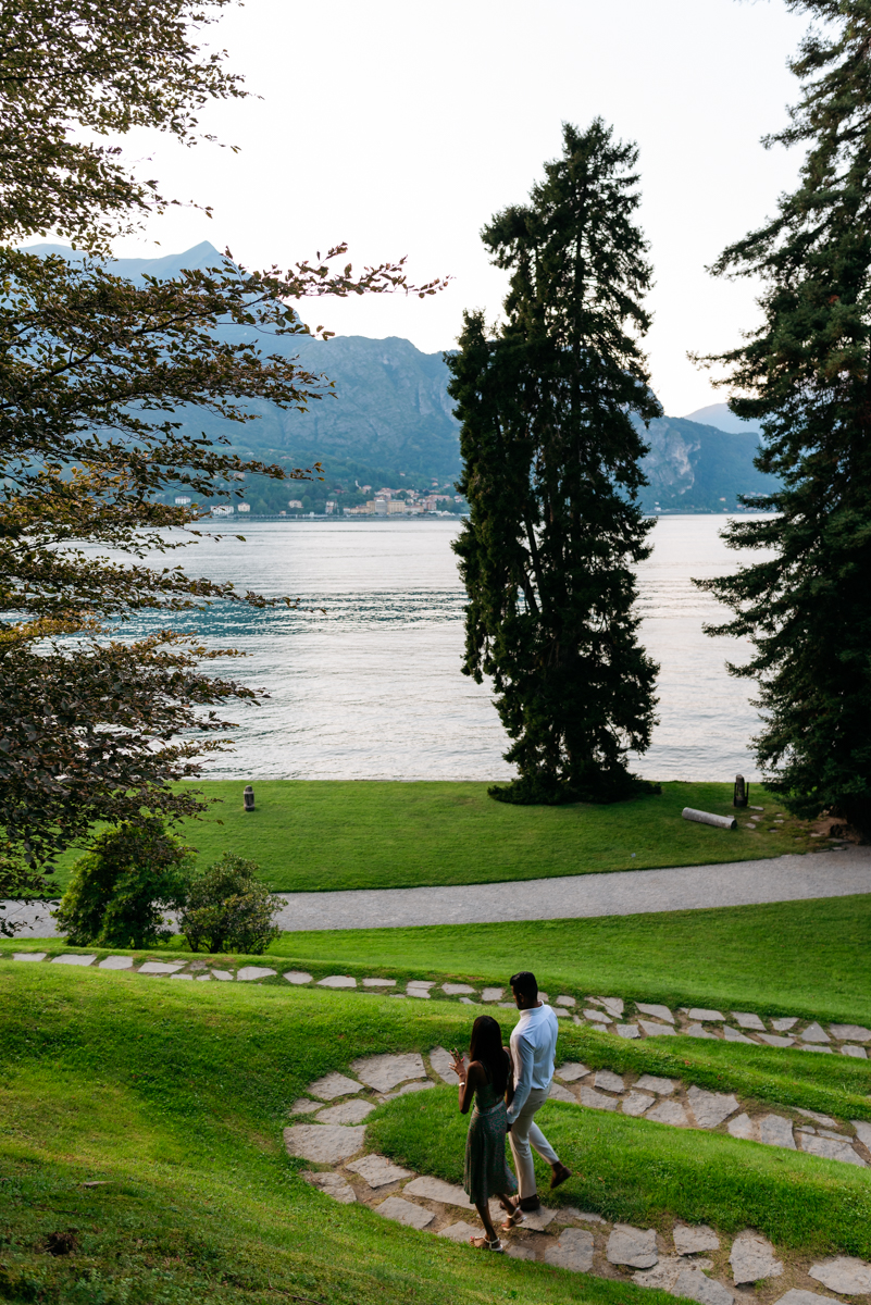 walking in amazing Villa Melzi on Lake Como