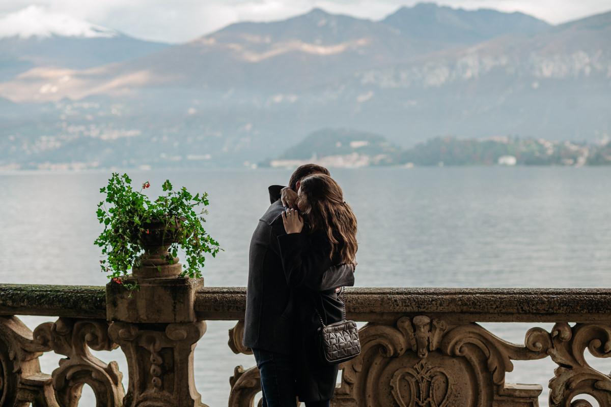 marriage proposal on Lake Como