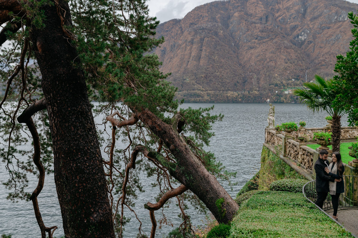 villa del balbianello amazing view for engagement pictures
