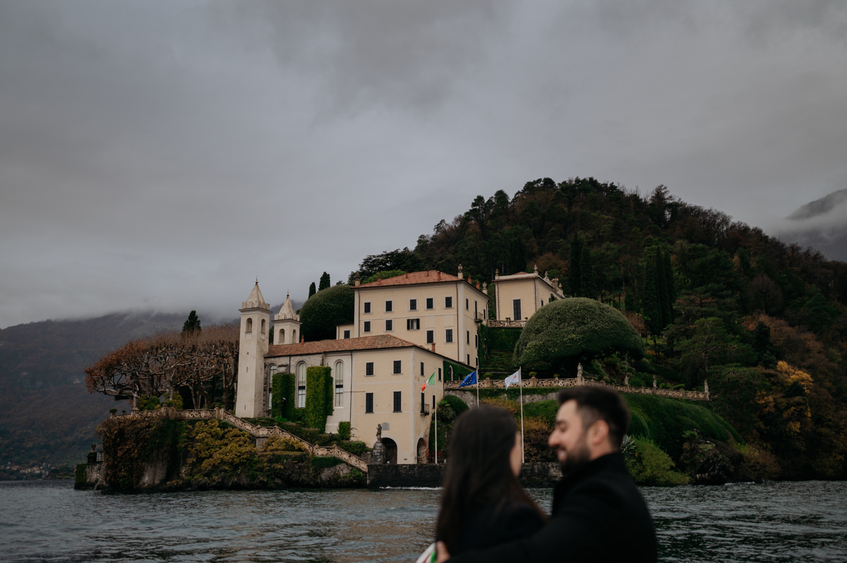 boat tour after the proposal at villa del balbianello